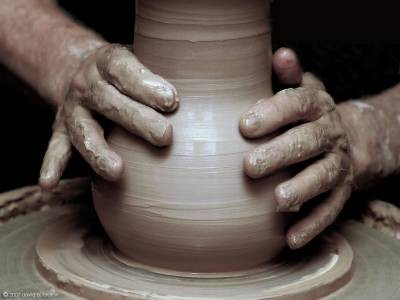 b2ap3_thumbnail_potter-clay-2