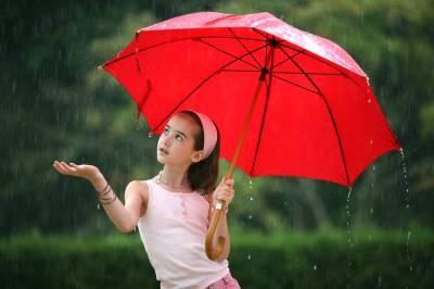 b2ap3_thumbnail_girl-and-umbrella