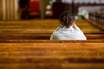 b2ap3_thumbnail_young-woman-praying-in-church.jpg