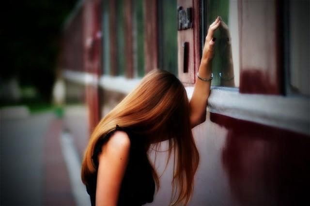 emotional-sad-alone-love-girl-wallpapers-3