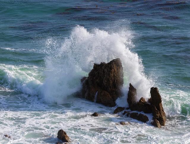 crashing-waves-larry-marshall