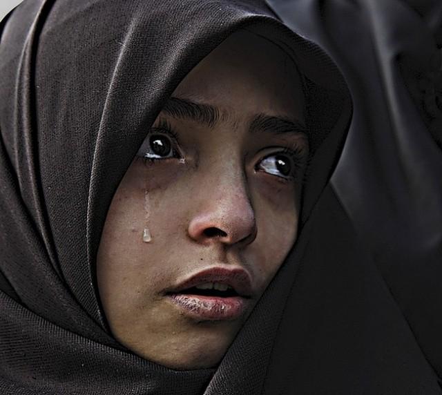 b2ap3_large_crying-lady-2-_20210326-212325_1